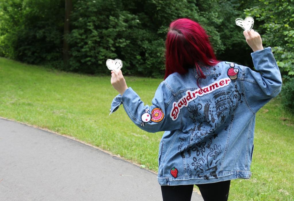 girlfriend-jeansjacke-ruecken-2-outer-space-style