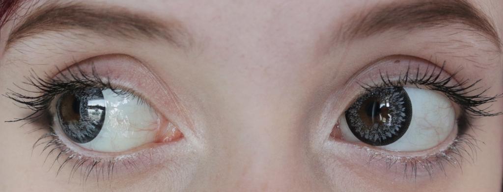 Graue Kontaktlinsen Close Up