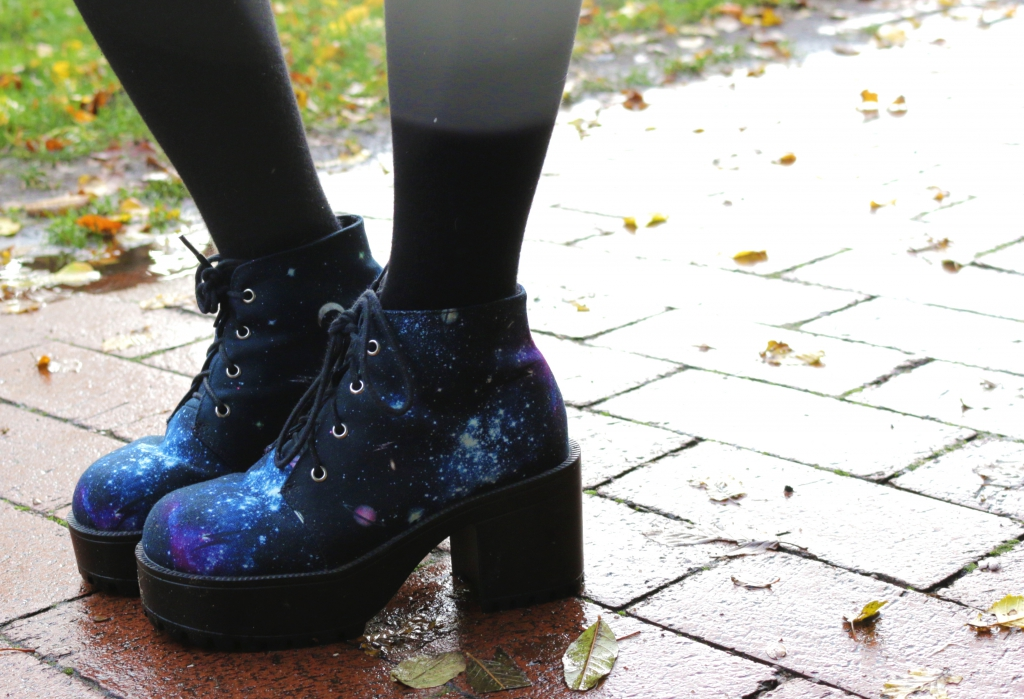 outerspacestyle-winter-space-dress-shoes