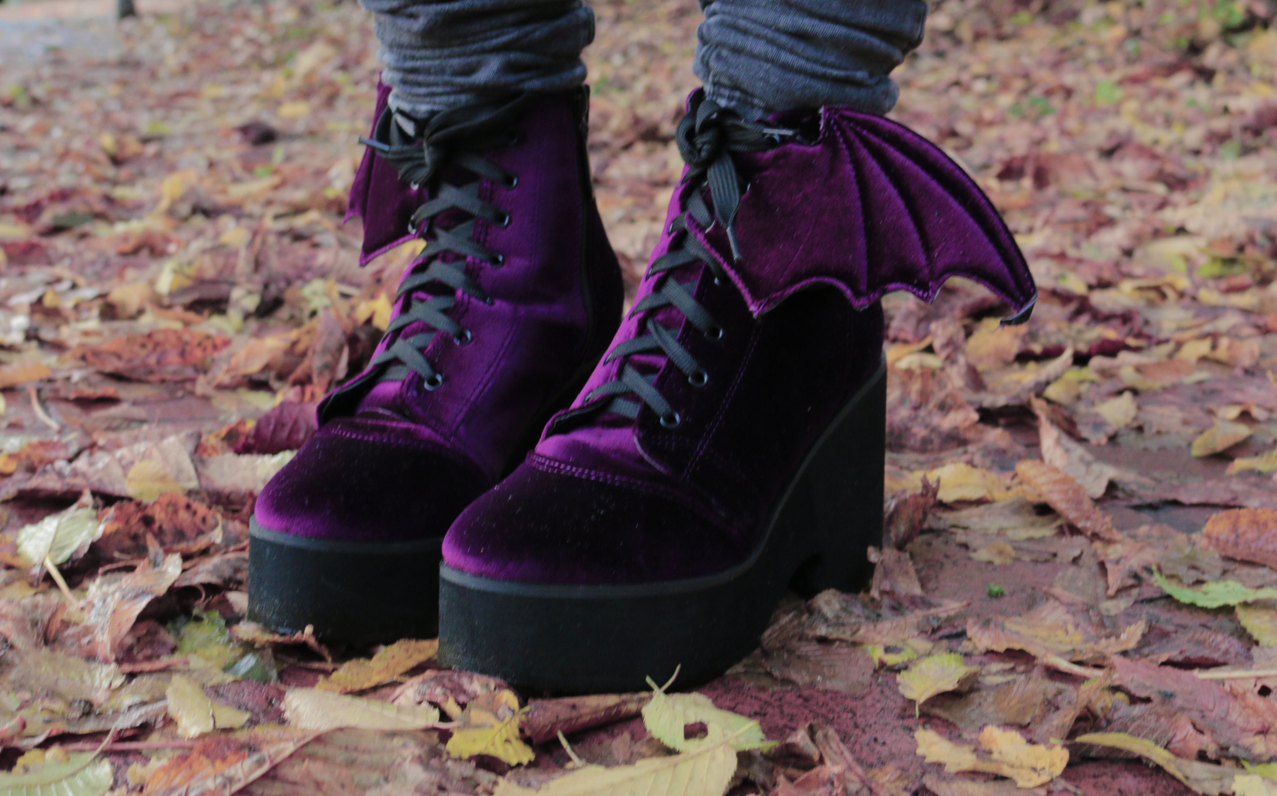 outerspacestyle-velvet-winter-outfit-shoes-3