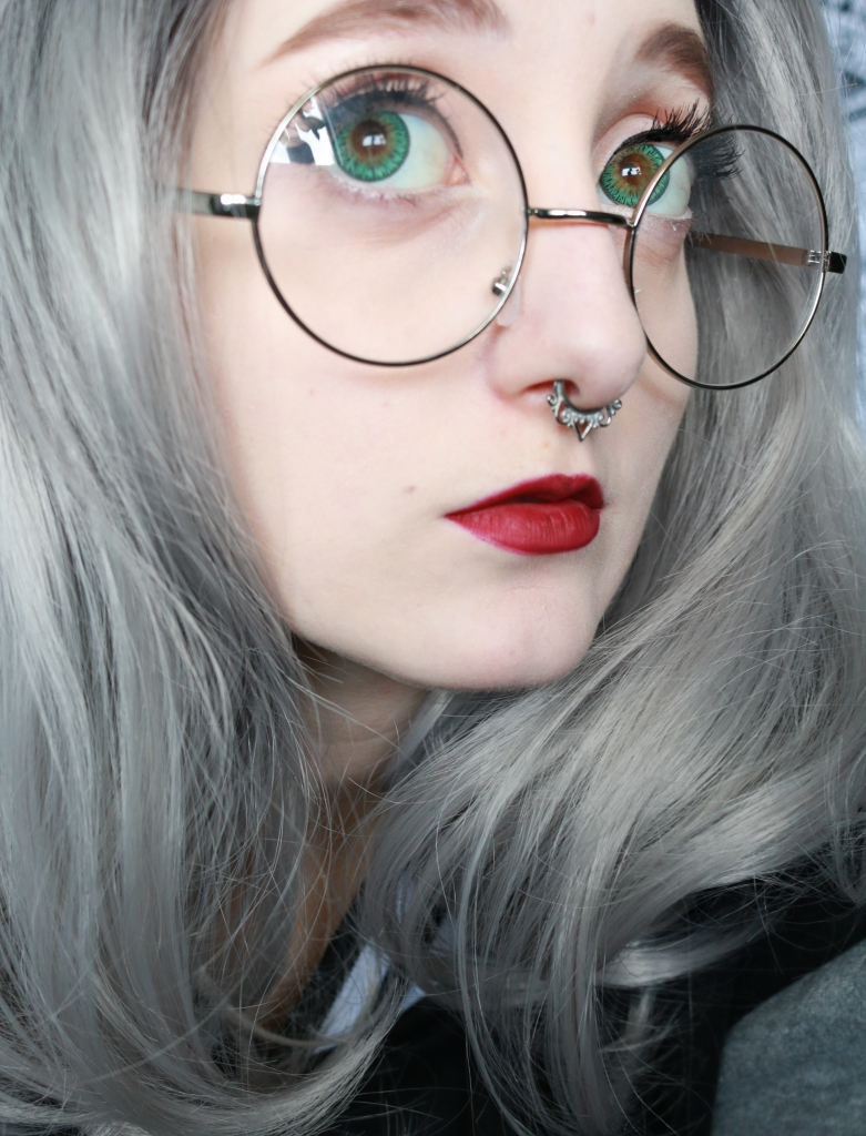 Outer space style dolly green circle lenses