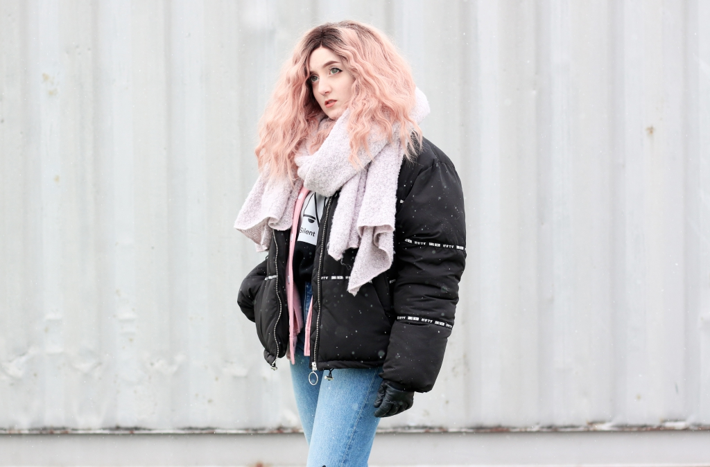 Outerspacestyle_pastel_winter_overthinking